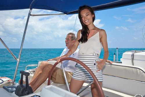 Chinese Concierge Services an Bord Bahamas Katamaran Charters