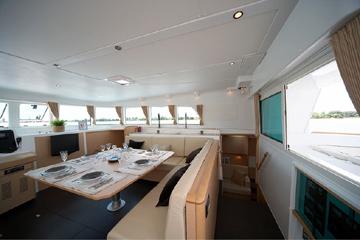 Kiwi Pryde Lagoon 500 Catamran Yacht Cruiser -  main saloon