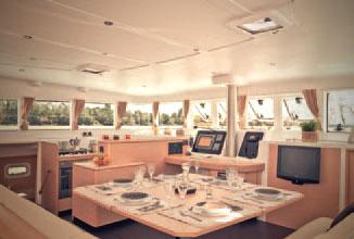 Kiwi Pryde Lagoon 500 Catamran Yacht Cruiser - Dining Room